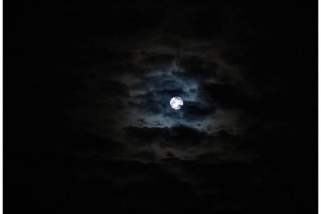 zifiri karanlıkta uyumak zihni temizliyor